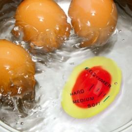Timer cu trei nivele pentru fiert ouă
